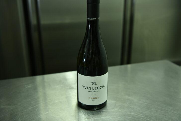 Vin corse E croce blanc